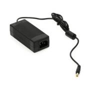 Napájecí adapter: 9 VDC, 3A (2,1/5,5 mm)